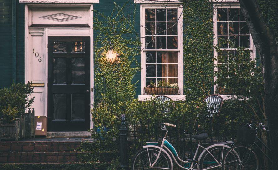 Bostadsköerna i Stockholm ökar i rekordtakt